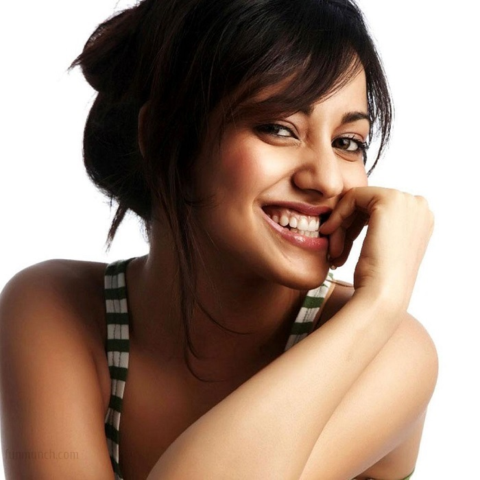 Photo Credit http://www.wallpapers88.com/neha-sharma-hot-hd-pictures-images-photos-bikini-wallpapers/