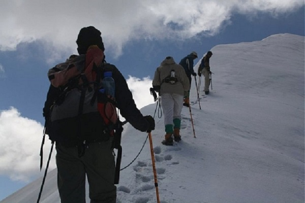 Photo Credit http://www.walkthroughindia.com/sports/10-extreme-adventures-sports-destination-in-india/