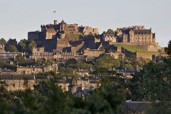 Image Source http://www.visitscotland.com/blog/edinburgh-lothians/edinburgh-castle-voted-best-heritage-attraction-in-the-uk/