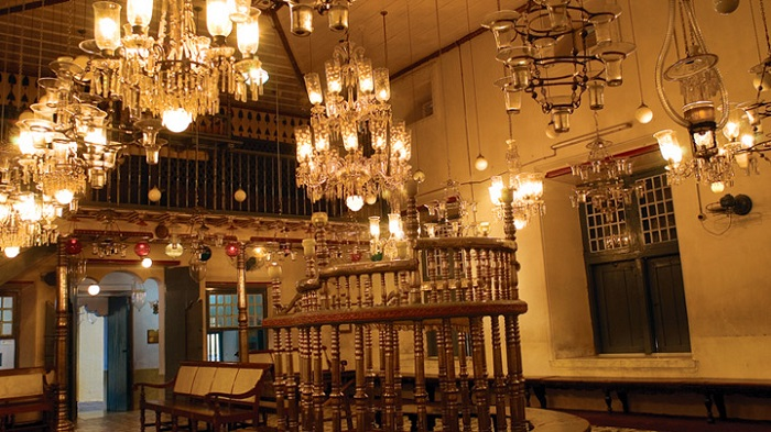 Photo Credit https://www.keralatourism.org/destination/synagogue-mattancherry/16