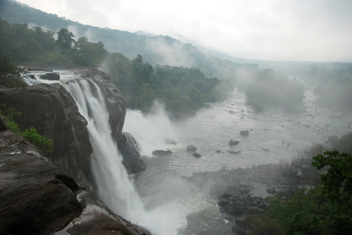Photo Credit http://www.mapsofindia.com/my-india/travel/athirapally-falls-in-kerala-the-niagara-falls-of-india