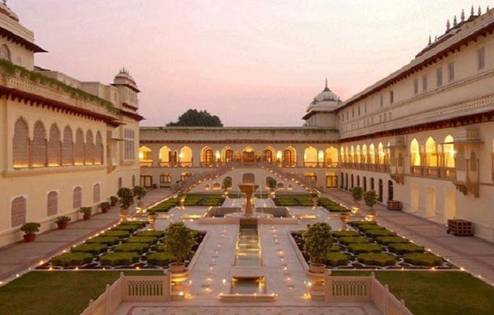 Photo Credit https://www.tourmyindia.com/blog/top-15-exotic-wedding-destinations-india/