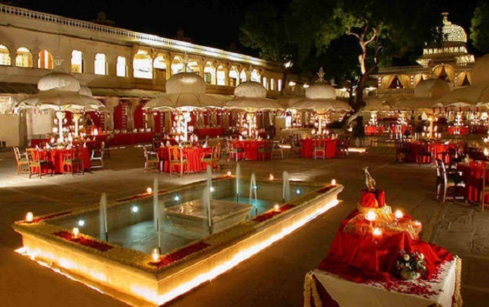 Photo Credit http://www.metrojournalist.com/tag/the-oberoi-udaivilas/