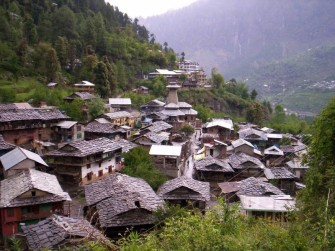 Photo Credit http://www.kvtholidays.com/tours/malana-trek