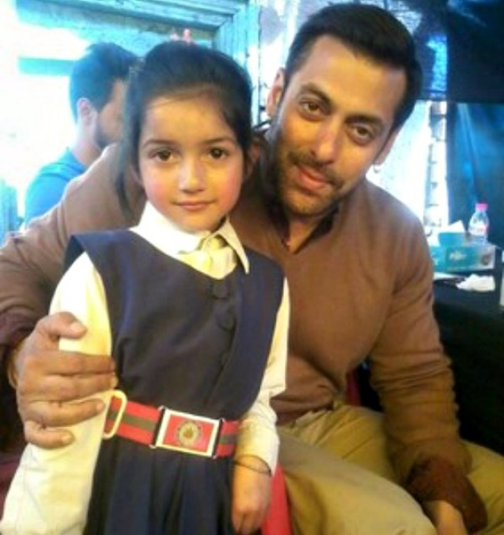 Photo Credit http://www.indiatimes.com/entertainment/bollywood/21-pictures-of-salman-khan-from-one-bhai-fan-to-another-232426.html