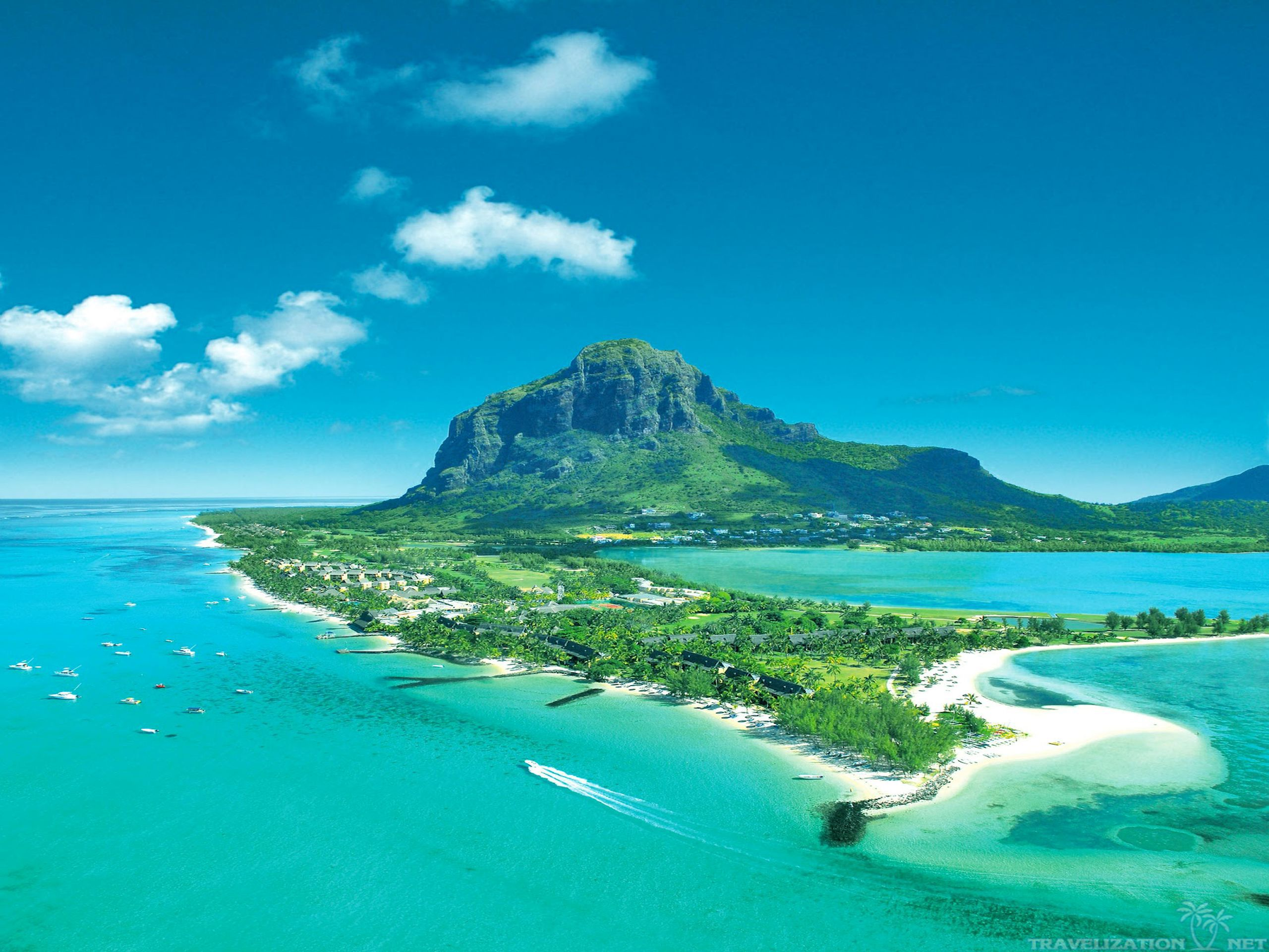 Photo Credit http://www.rocsgrp.com/travel/destinations/mauritius.html