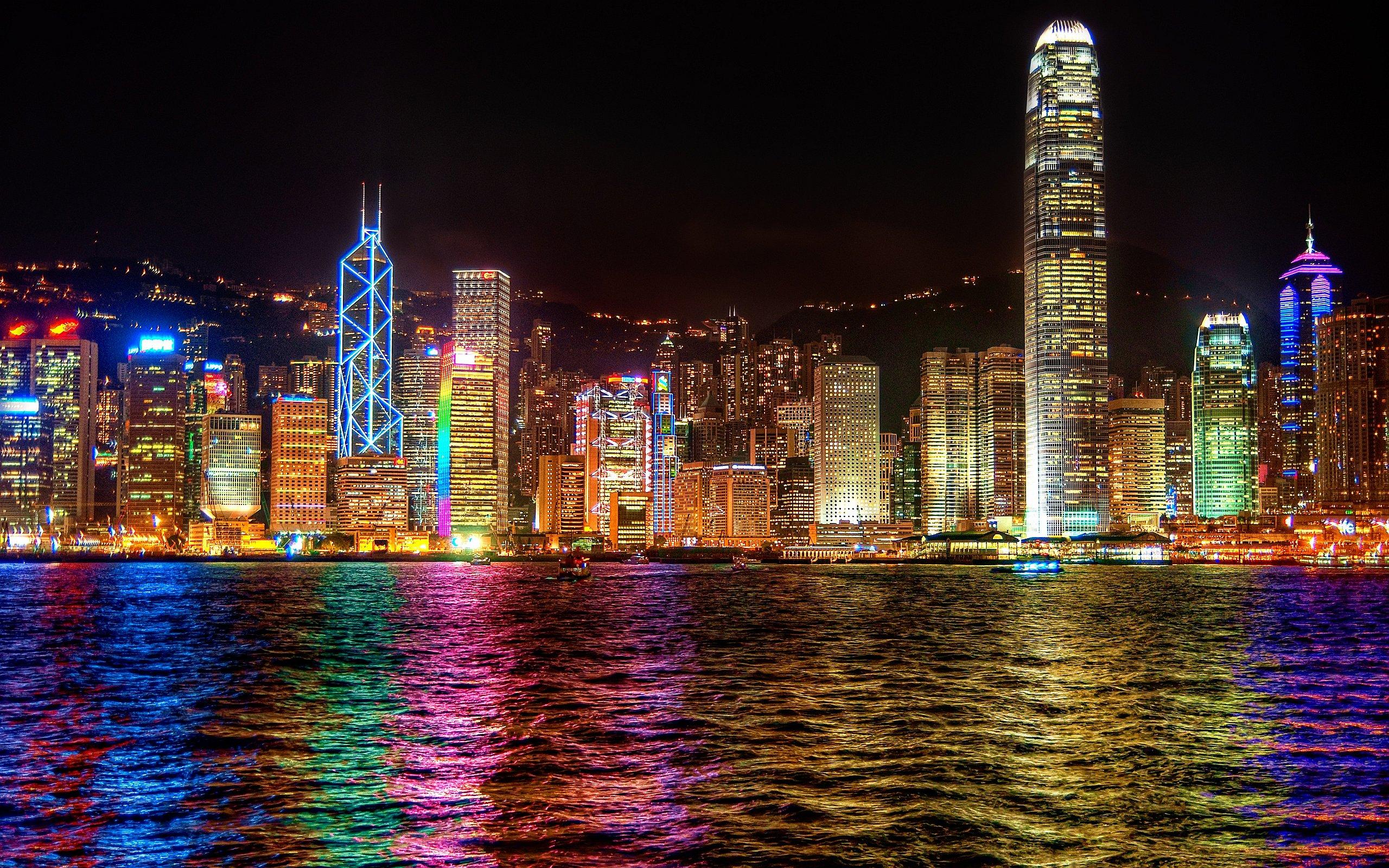 Photo Credit http://www.hotelroomsearch.net/top-destinations/hong-kong