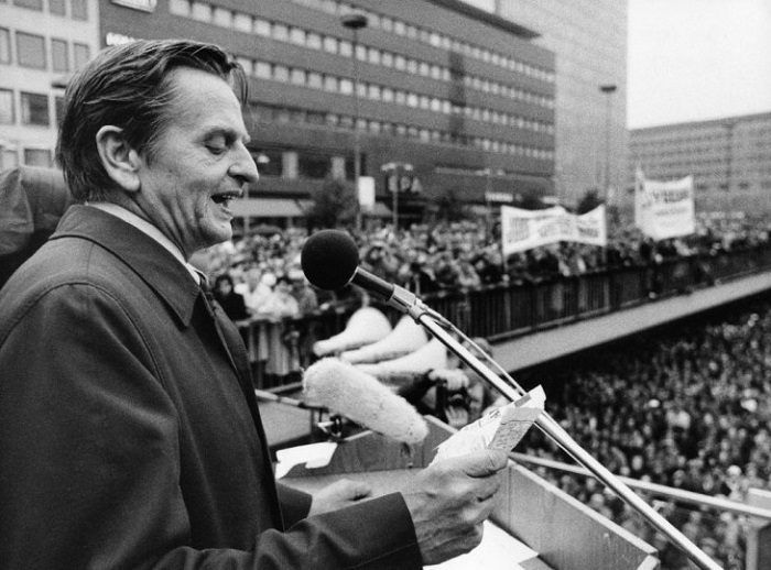 Photo Credit http://www.theapricity.com/forum/showthread.php?107704-Classify-Olof-Palme-Swedish-PM-(1969%961976)-and-(1982%961986)