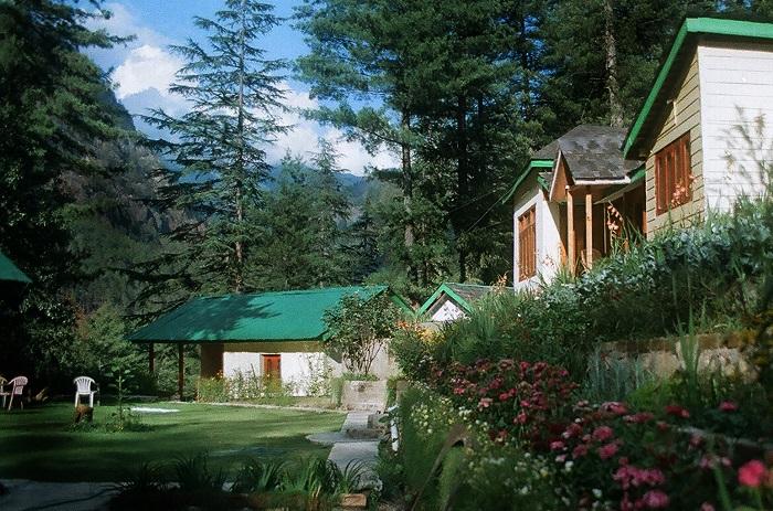 Photo Credit http://www.oktatabyebye.com/hotels/hotel-reviews-6483-parvati-kuteer-kasol.html