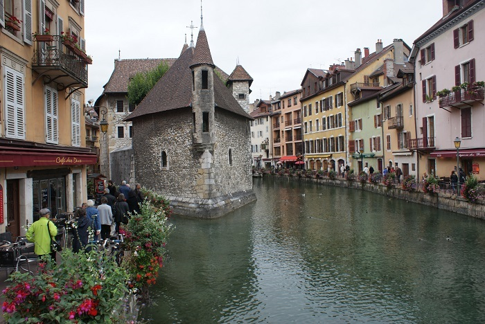Photo Credit  http://quivertreeworld.com/travelwithkidz/france-with-kids-introduction/