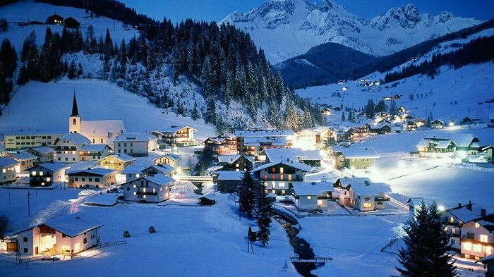 Photo Credit  http://www.forwallpaper.com/wallpaper/austria-winter-resort-407686.html