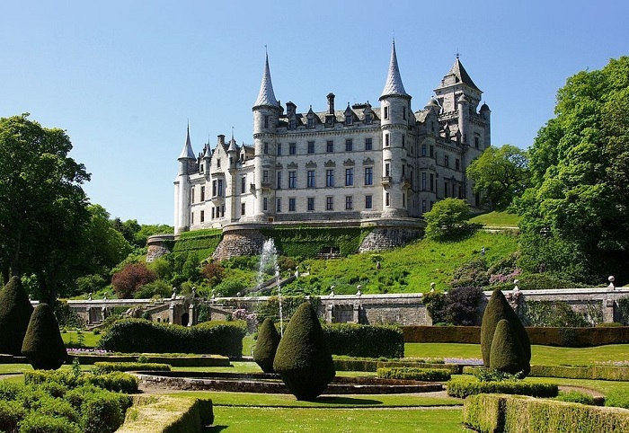 Photo Credit http://www.thecrazytourist.com/top-25-things-to-do-in-scotland/