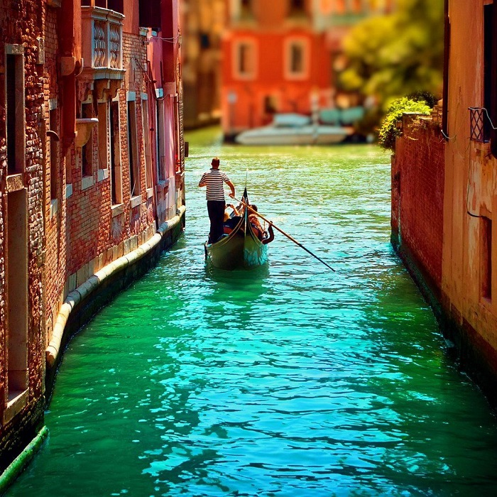 Photo Credit  http://www.hdtabletwallpaper.com/The-wallpapers-of-beautiful-scenery-of-Venice-Italy-1024x1024/The-wallpapers-of-beautiful-scenery-of-Venice-Italy-1024x1024-07