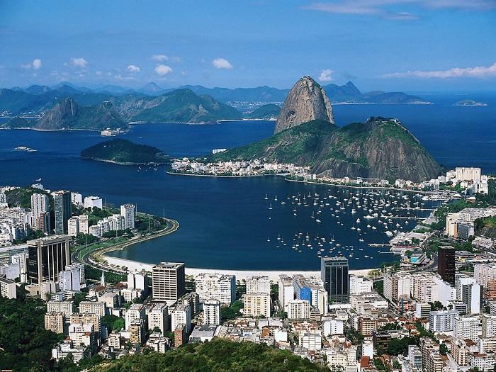 Photo Credit  http://streetsmartbrazil.com/eu-amo-o-rio-de-janeiro/
