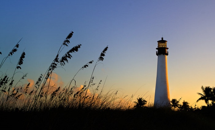 Photo credits http://captainkimo.com/cape-florida-lighthouse-seaoat-key-biscayne/