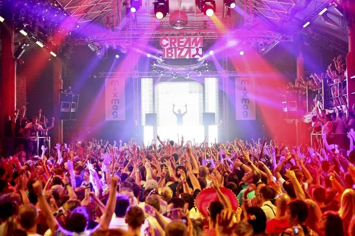 Photo credits http://www.ibiza-spotlight.com/night/ibiza_clubs_i.htm