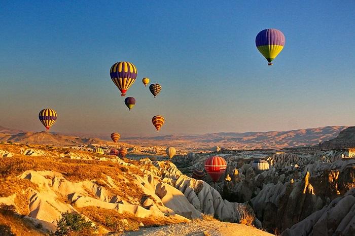 Photo credits http://www.naturelscavehouse.com/gallery/ballooning-cappadocia