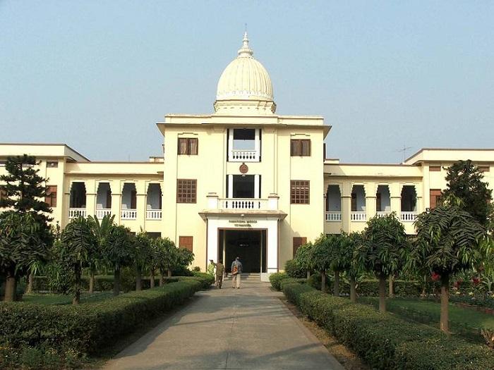 Photo Credit http://www.university.youth4work.com/UC_University-of-Calcutta