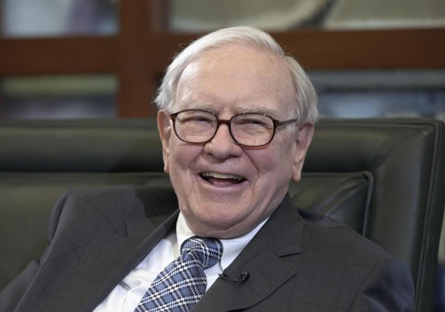 Photo Credit:http://www.nydailynews.com/news/money/lunch-warren-buffett-costs-3-5-million-article-1.1092586