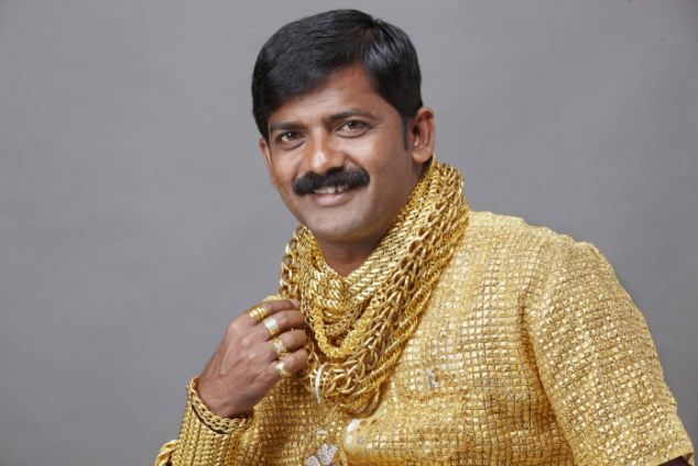 Photo Credit:http://www.dailymail.co.uk/news/article-2257209/Wealthy-Indian-Datta-Phuge-spends-14-000-shirt-GOLD-impress-ladies.html