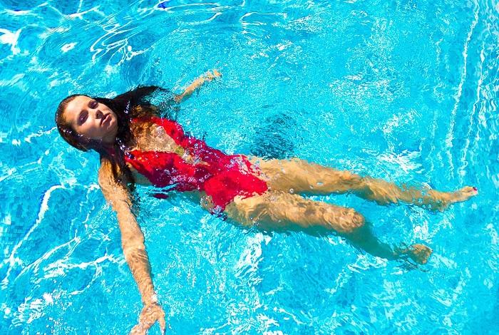 Photo Credit http://aqua4balance.com/healing-properties-of-water/what-happens-to-human-body-in-water.html