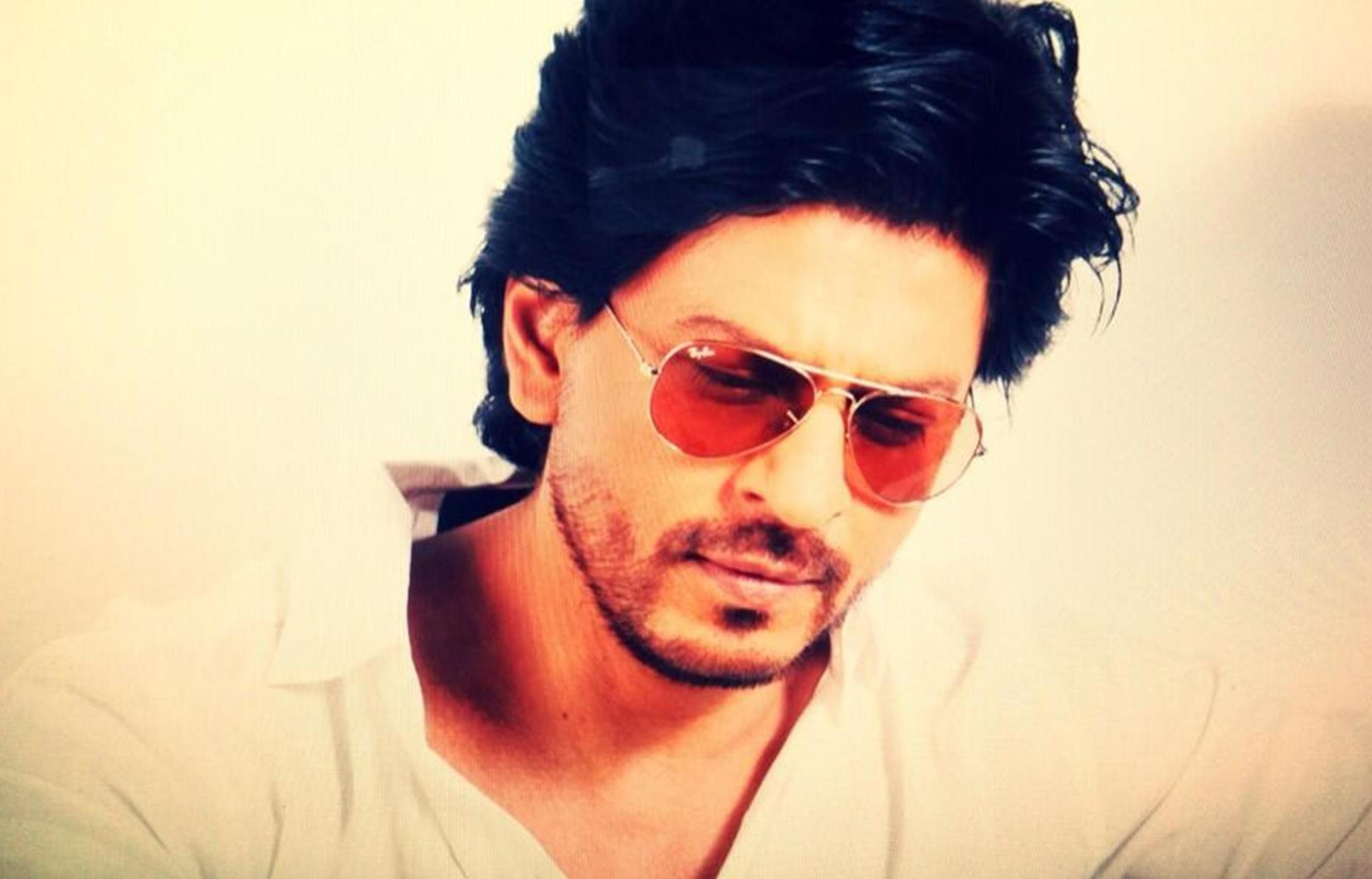 Photo Credit: http://www.youthconnect.in/2014/11/02/heart-warming-stories-shah-rukh-khan/