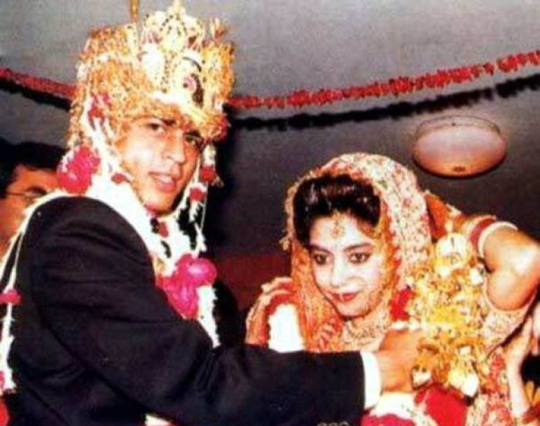 Photo Credit: http://www.anandabazar.com/supplementary/anandaplus/picture-gallery-on-celeb-marriages-like-fairytale-marriage-1.204665