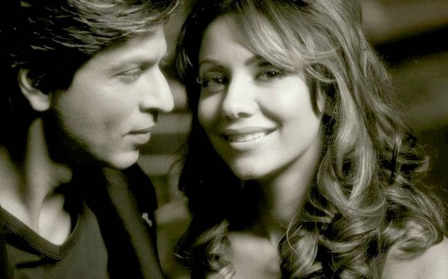 Photo Credit: http://indiatoday.intoday.in/story/shah-rukh-khan-on-his-24th-wedding-anniversary-thanks-gauri-for-patience-perseverance-and-forgiveness/1/506931.html