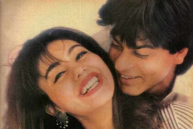 Photo Credit: http://myvantagepoint.in/shahrukh-khan-and-gauris-romantic-pictures-we-bet-you-have-never-seen-before/2/