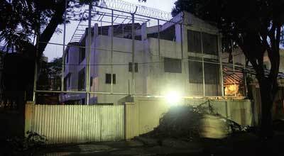 Photo Credit http://www.lightscamerabollywood.com/wp-content/uploads/2011/11/Amitabh-Bachchan-House-01-01.-jpg2.jpg
