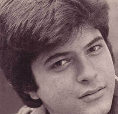 Photo Credit: http://celebprofile.blogspot.in/2012/04/anil-kapoor-childhood-wife-children.html