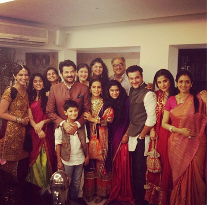 Photo Credit: http://archive.indianexpress.com/picture-gallery/the-kapoor-family-celebrates-diwali-together/3769-1.html