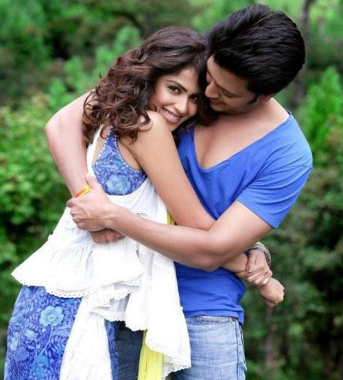 Photo Credit: http://www.mtvindia.com/blogs/music/indies/6-things-you-didnt-know-about-bollywoods-most-adorable-couple-riteish-and-genelia-52193362.html
