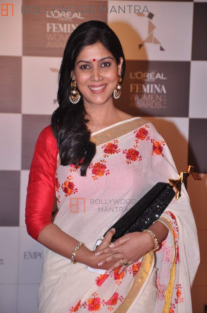 Photo Credit: http://www.bollywoodmantra.com/picture/loreal-femina-women-awards-75/