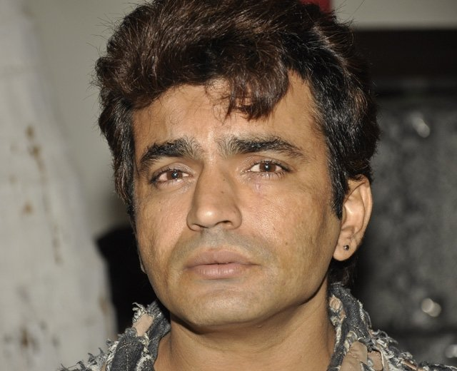 Photo Credit: http://www.indiatimes.com/tv/ban-lifted-on-raja-chaudhary-6737.html