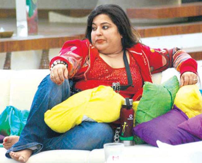 Photo Credit: http://www.latestnews360.com/readmore/1536/latest-news/Does-Karishma-Tanna-remind-us-of-Pooja-Missra--The-most-irritating-Bigg-Boss-contestants.html