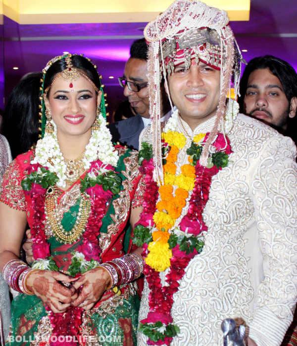 Photo Credit: http://www.bollywoodlife.com/news-gossip/shweta-tiwari-and-abhinav-kohli-have-a-low-key-wedding-pics-video/