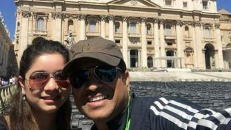 Photo Credits: http://www.cricketcountry.com/photos/sachin-tendulkar-shares-selfie-with-daughter-with-sara-301521