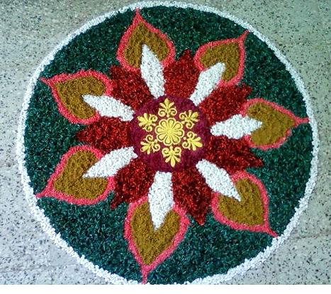 http://homemakeover.in/wp-content/uploads/$wblob/1186/New-Rangoli-Design-28.jpg