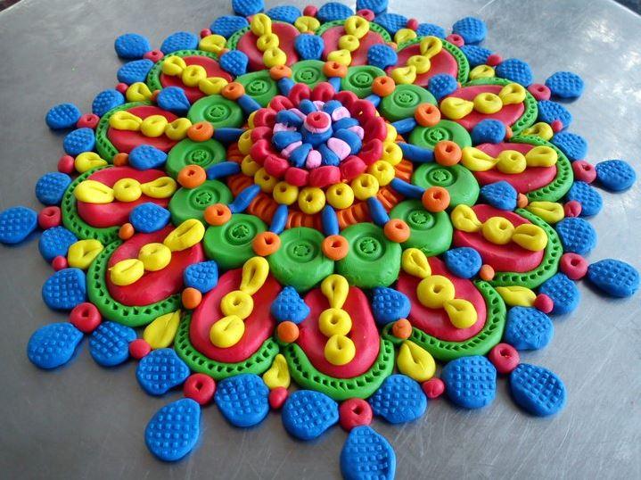 http://homemakeover.in/wp-content/uploads/$wblob/2363/New-Rangoli-Design-210.jpg