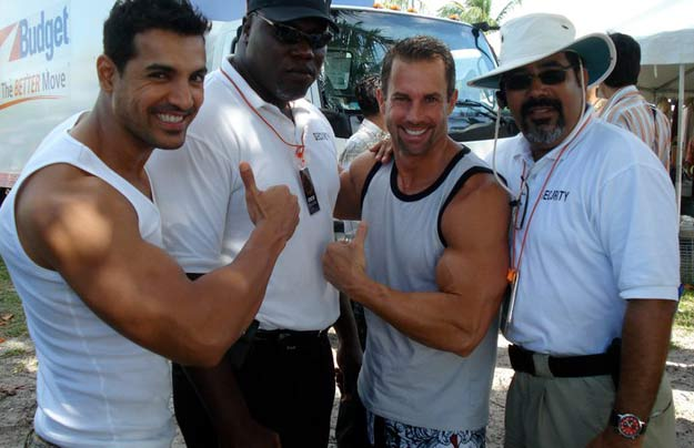 Mike-Ryan-–-John-Abraham
