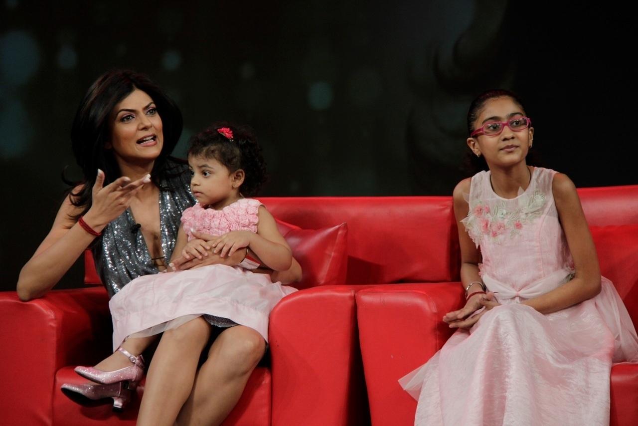 sushmita-sen-daughters